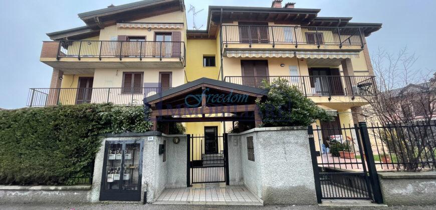 Trilocale via Ugo Foscolo 39, Salerano sul Lambro