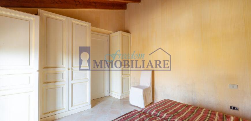 Meravigliosa villa all'interno dell'esclusivo Golf Club Di Bogogno, Novara