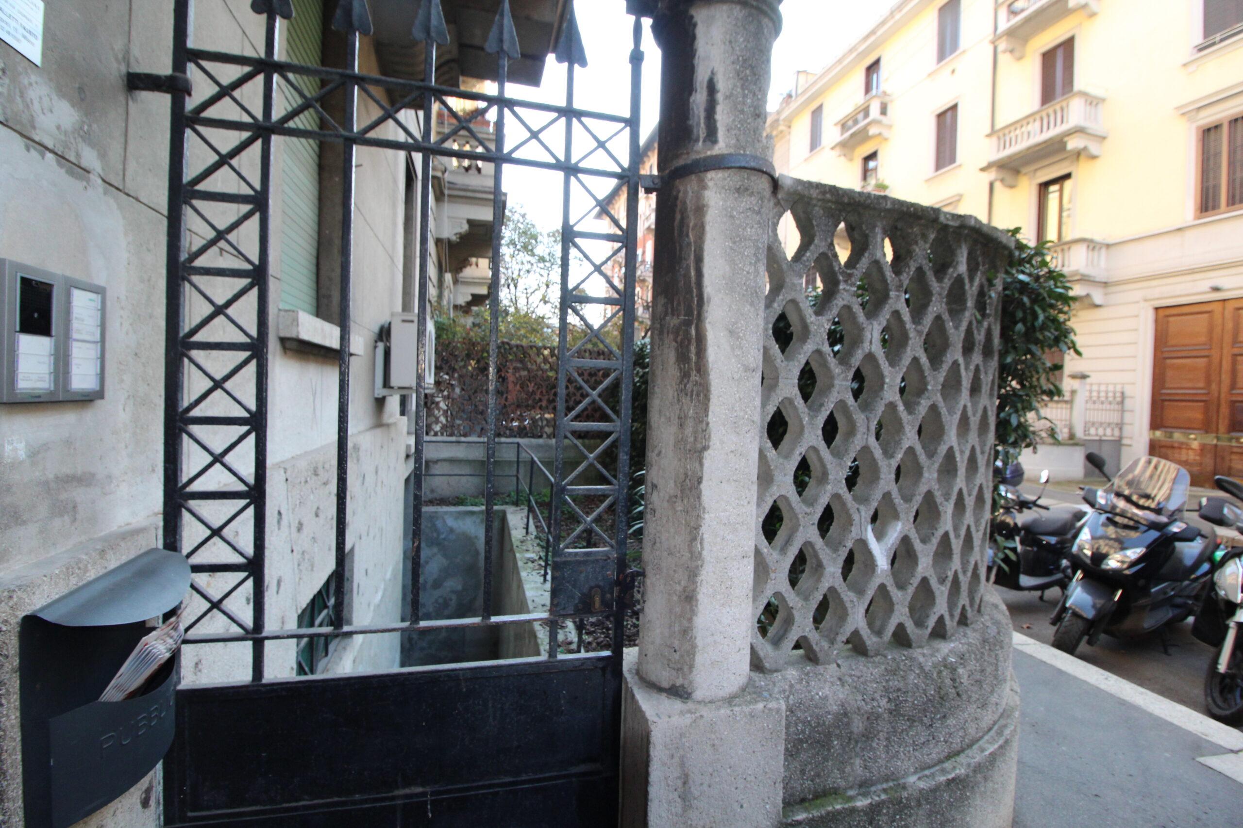 Unico locale adibito a magazzino in Via Mario Giuriati, Milano