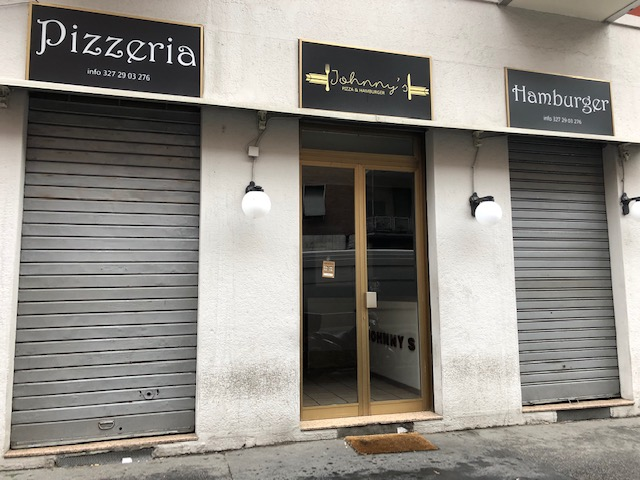 Attività di ristorazione in Via Cadibona, Milano