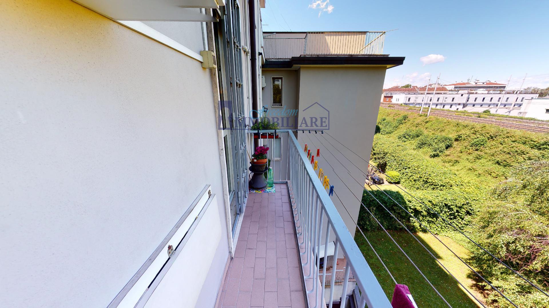 Trilocale via Bolzano 29, Milano