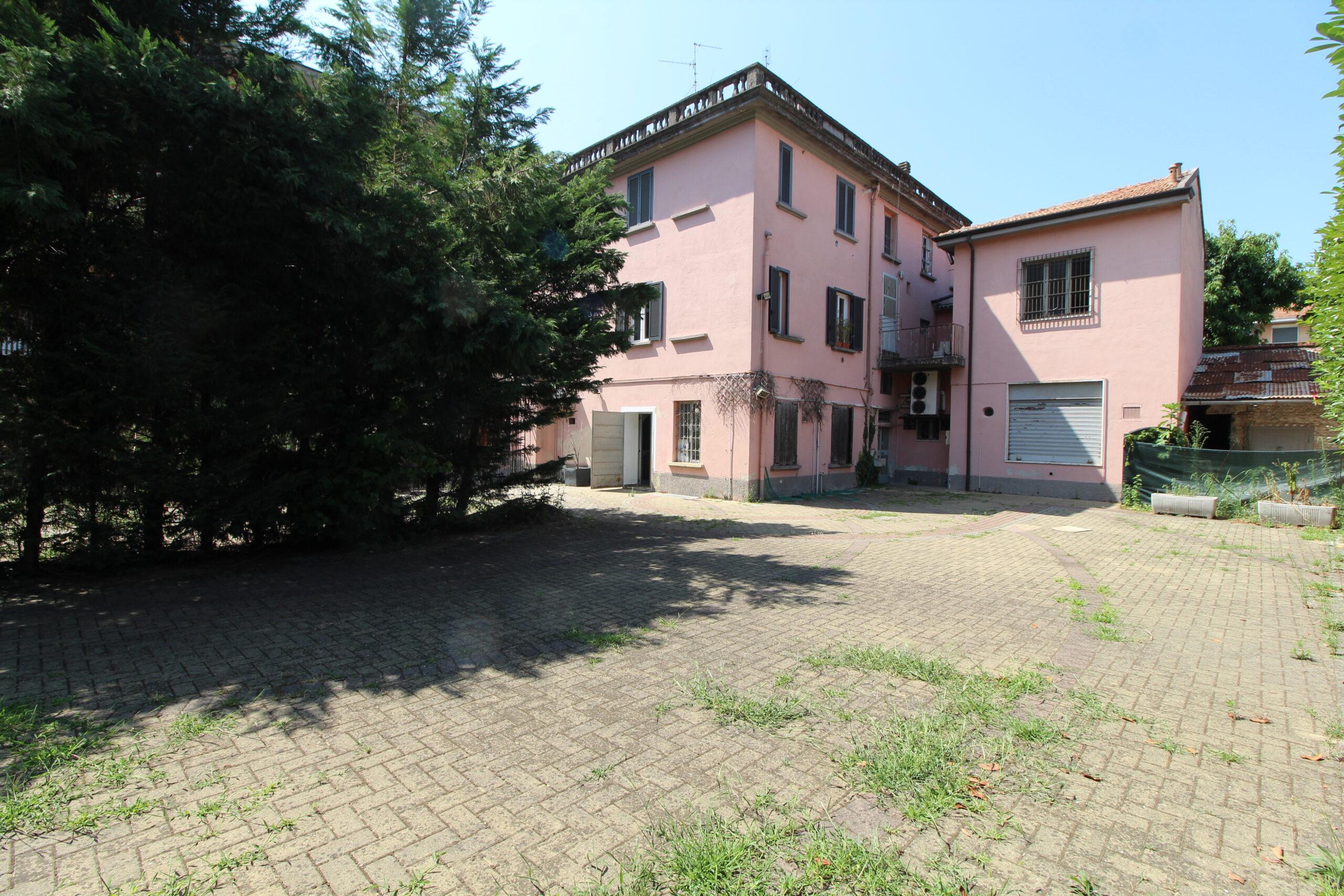 Locale commerciale in Affitto Sant'Angelo Lodigiano, Via Giuseppe Mazzini 27