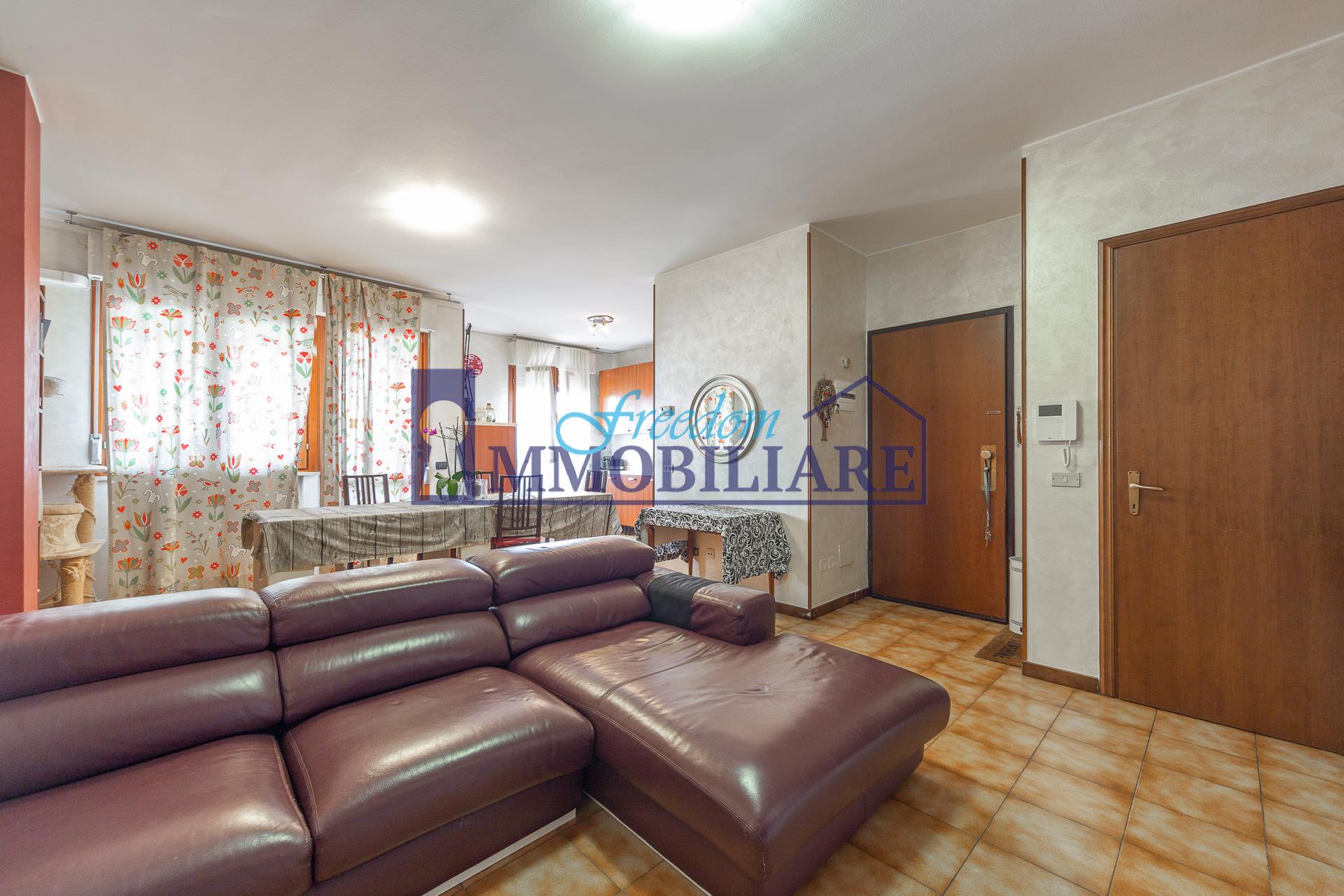 Trilocale via Luigi Toscani 9, San Giuliano Milanese