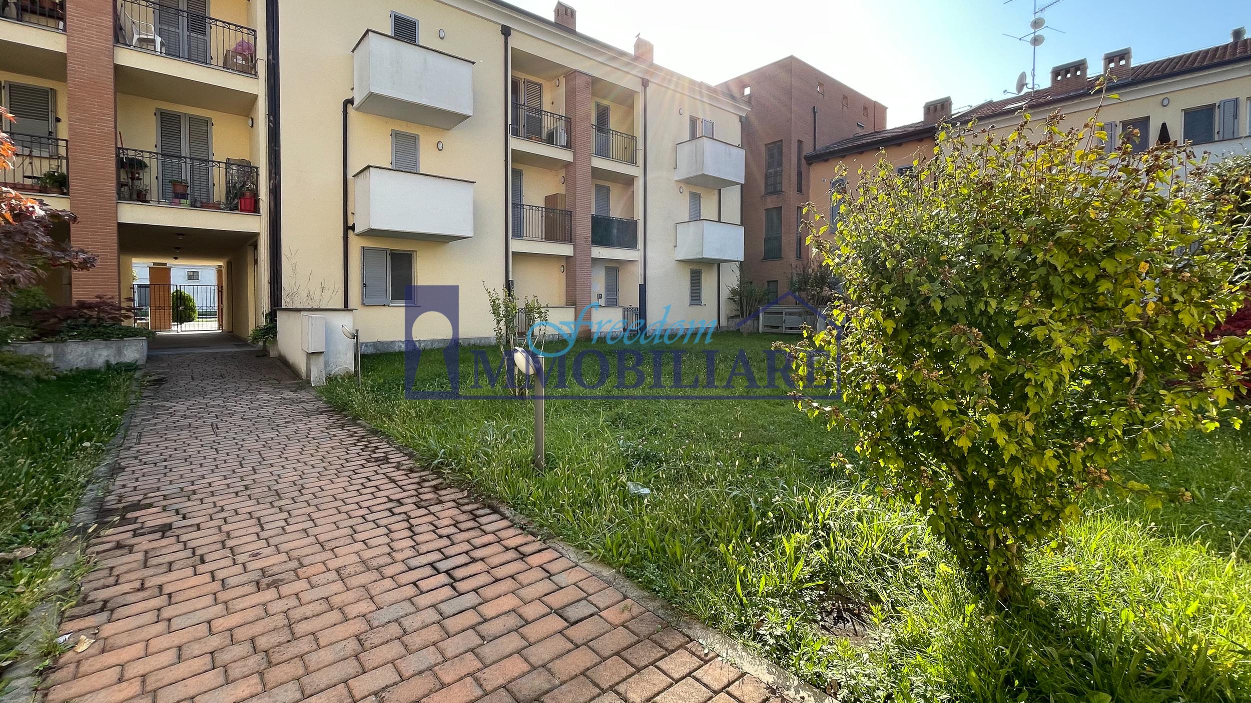 Bilocale piazza Locatelli 12, Torrevecchia Pia