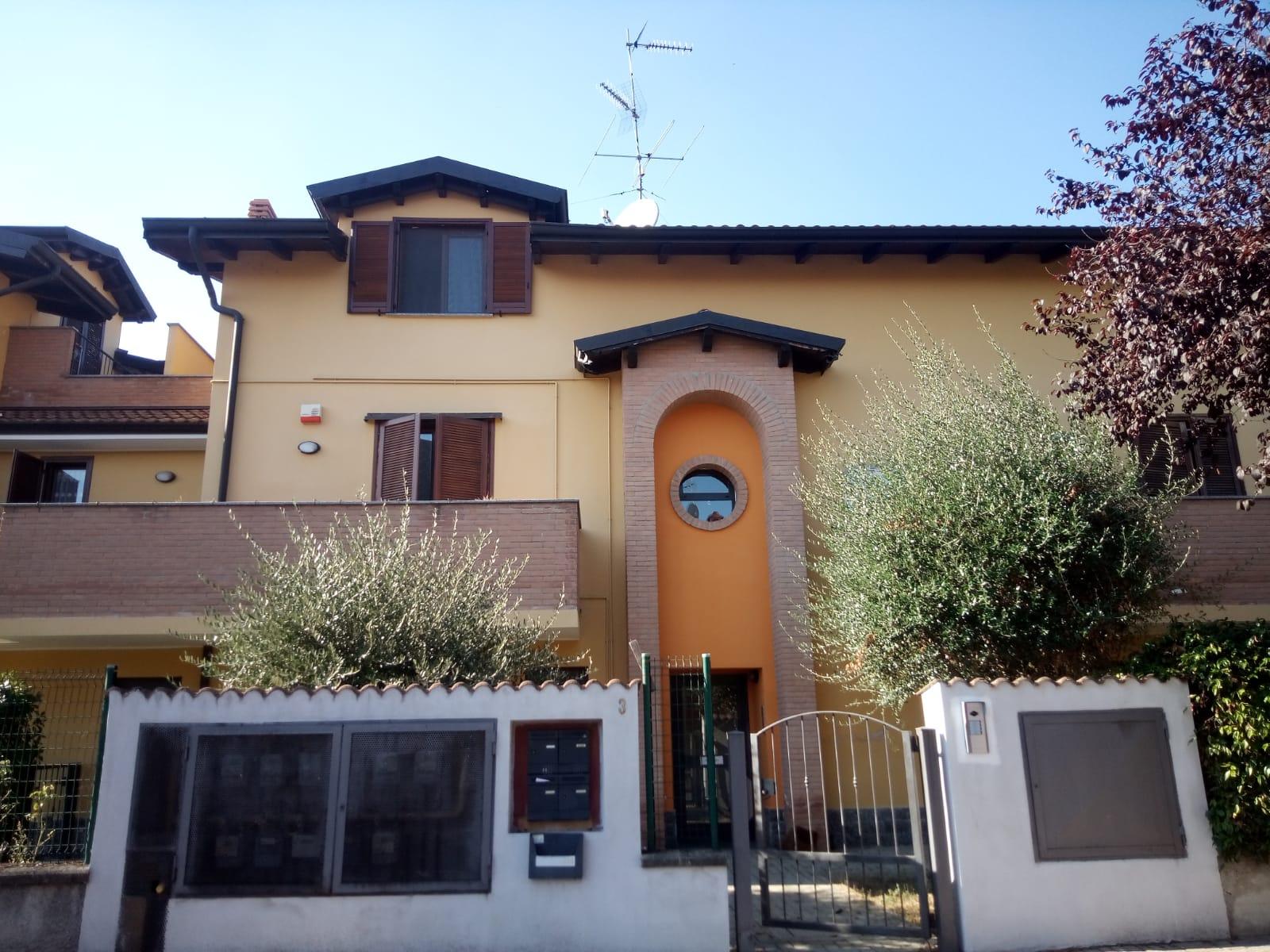 Trilocale via Basilicata 3, Carpiano